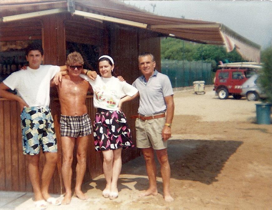 Staff in posa... fine anni 80'